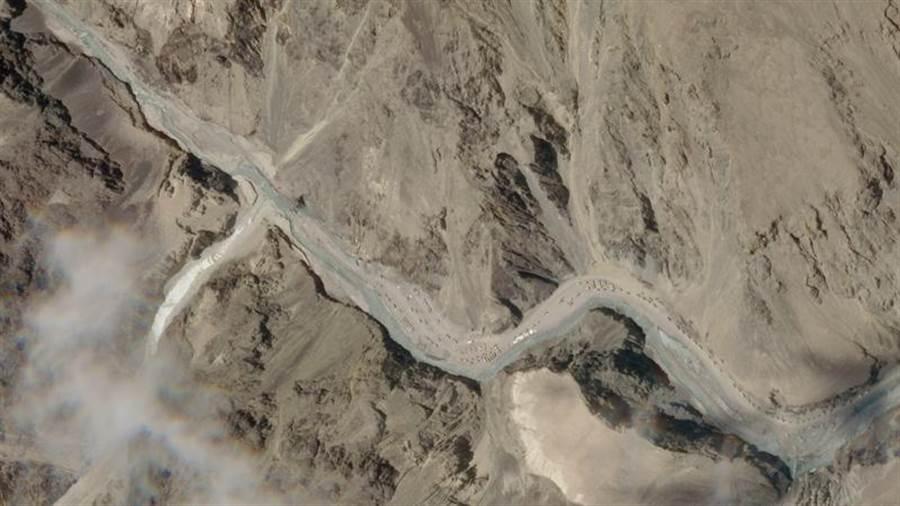 中印爆發邊境流血衝突的拉達克東部加萬谷(Galwan Valley)衛星照。(美聯社/ Planet Labs)