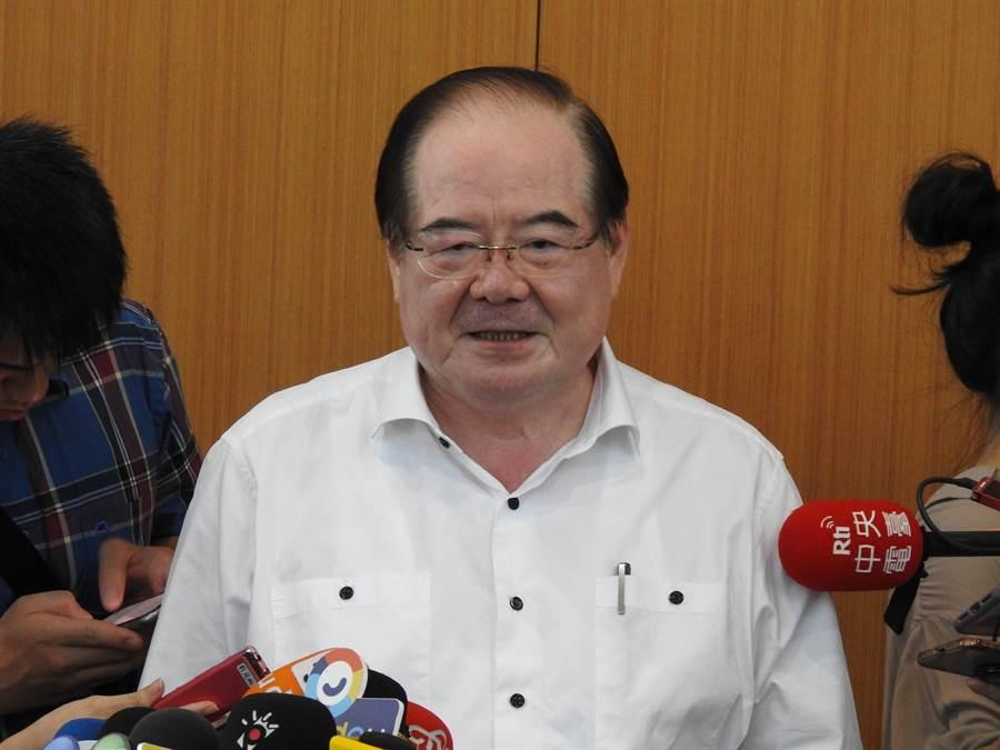 國民黨祕書長李乾龍下午接受媒體採訪。(趙婉淳攝)