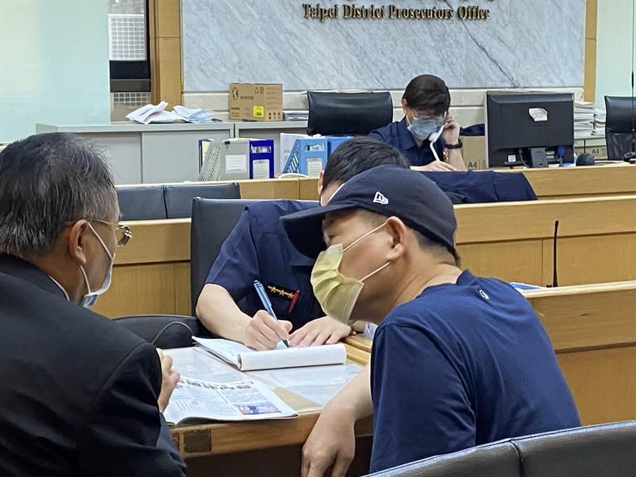 詐騙澎恰恰180萬元 警方逮捕兩嫌到案(圖/中時資料照/張孝義攝)