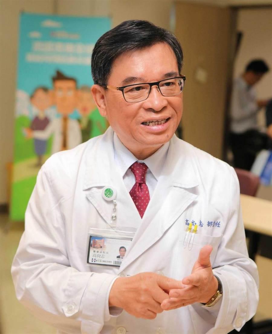 台灣臨床腫瘤醫學會前理事長高尚志表示,近十年來台灣女性罹患肺癌的比例足足成長一倍。(圖/新光醫院提供)