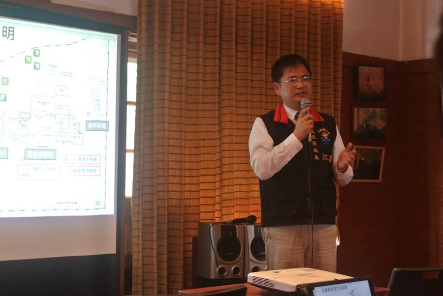 文化局長江躍辰表示,中廣花蓮電台是花蓮重要的歷史文化資產,期盼這裡會成為在地重要的文化設施與亮點。(羅亦晽攝)