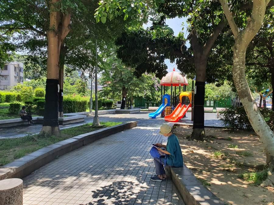 北投市場整修期間,將搬遷至鄰近的大豐公園處。(照片/游定剛 拍攝)