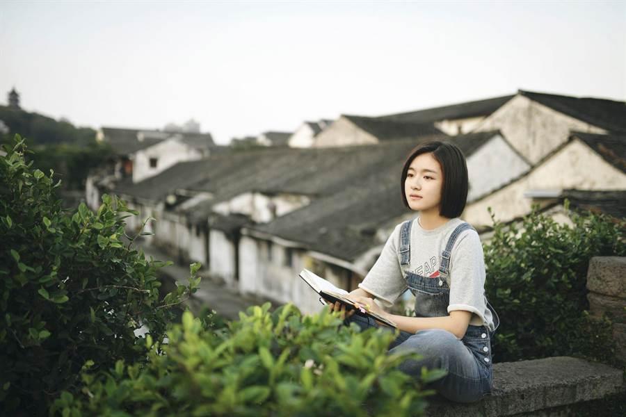 李蘭迪飾演高中蘇韻錦。(中天娛樂台提供)