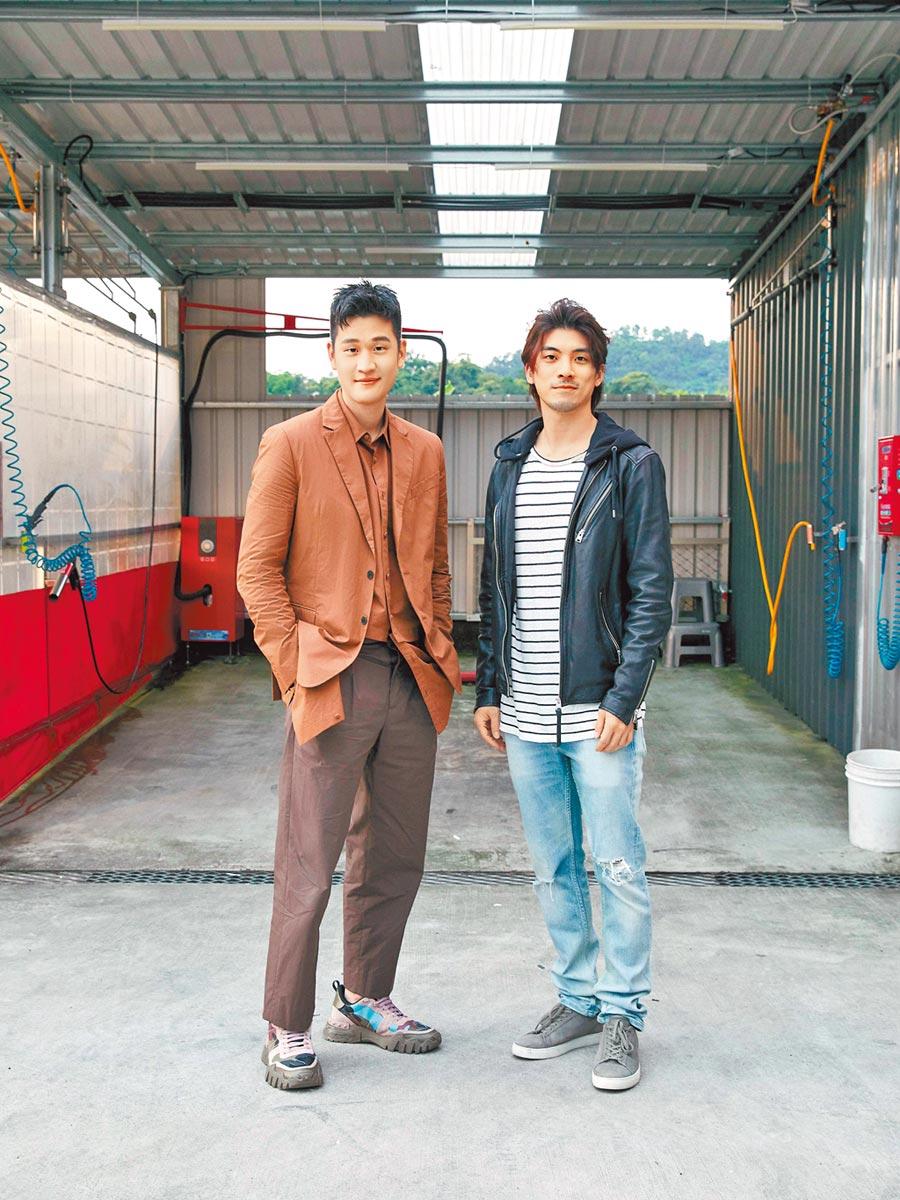 周興哲(左)與林哲熹一同合作MV。(星空飛騰提供)