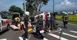 救護車遭撞翻覆 5人輕重傷送醫急救