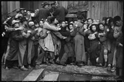 撿到的變動時代情境瞬間 布列松意外記錄中國