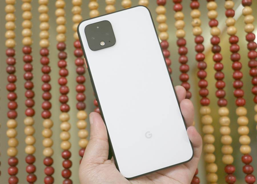 Google Pixel 4 官方推出降價活動,直接打 75 折,最高現省 NT$6900。(黃慧雯攝)