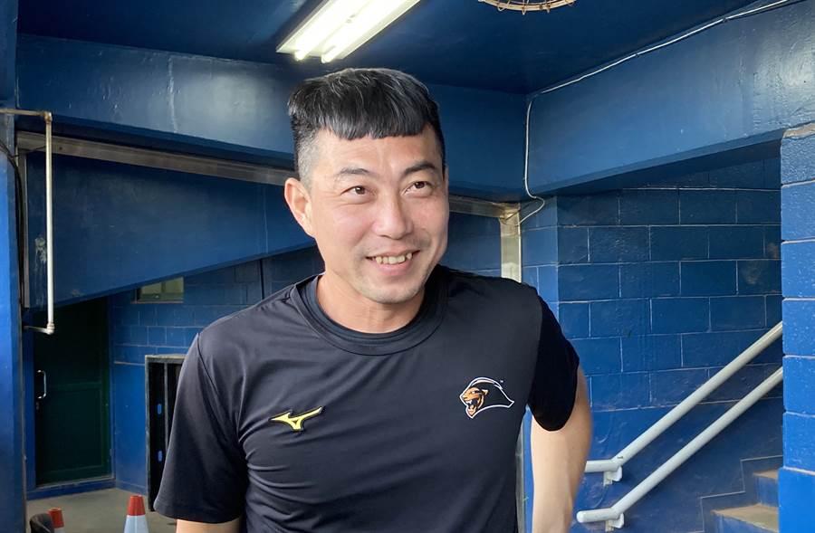 統一獅代總教練林岳平透露球隊已找好新洋投。(鄧心瑜攝)