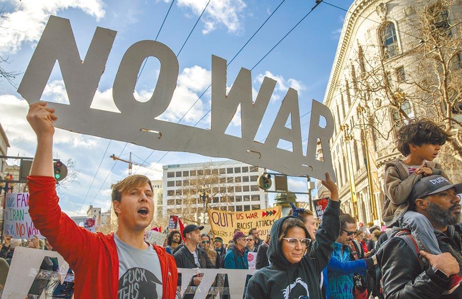 美國舊金山民眾參加反戰集會。(中新社資料照片)
