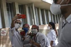 巴西染疫人數突破100萬 時間只用了114天