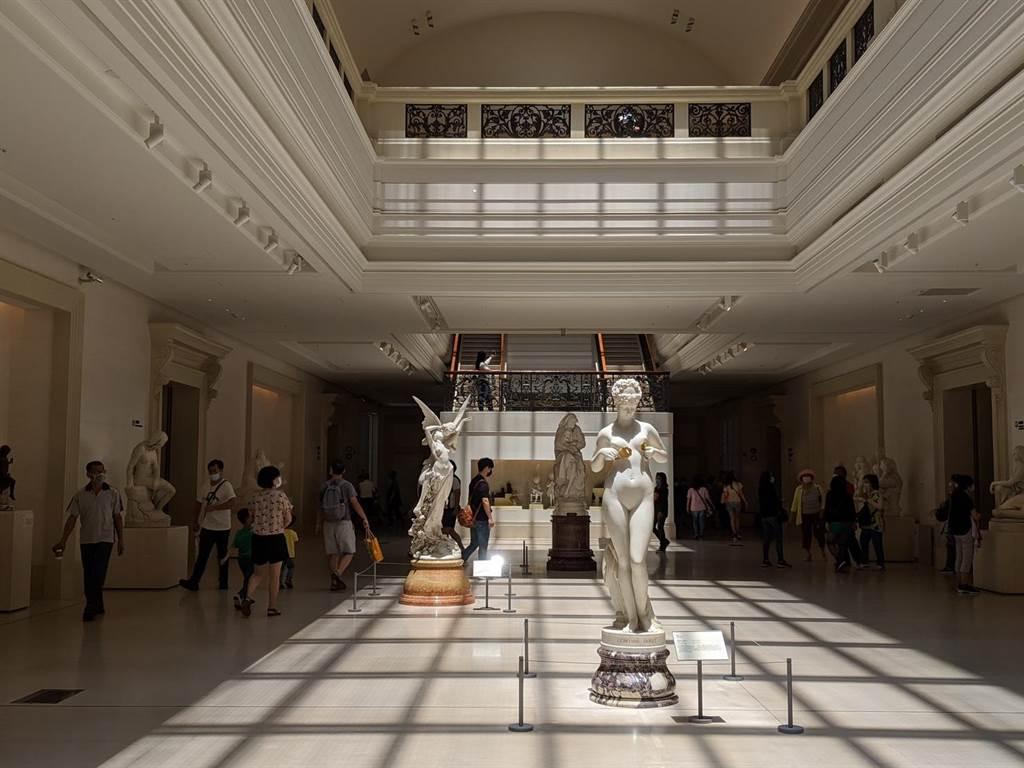 奇美博物館具有異國風情,是台南熱門景點之一。(台南市政府觀旅局提供/李宜杰台南傳真)