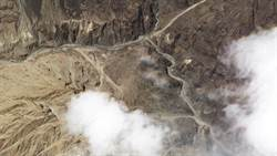 影》陸挖土機進爭議邊界 印度軍機升空戰巡