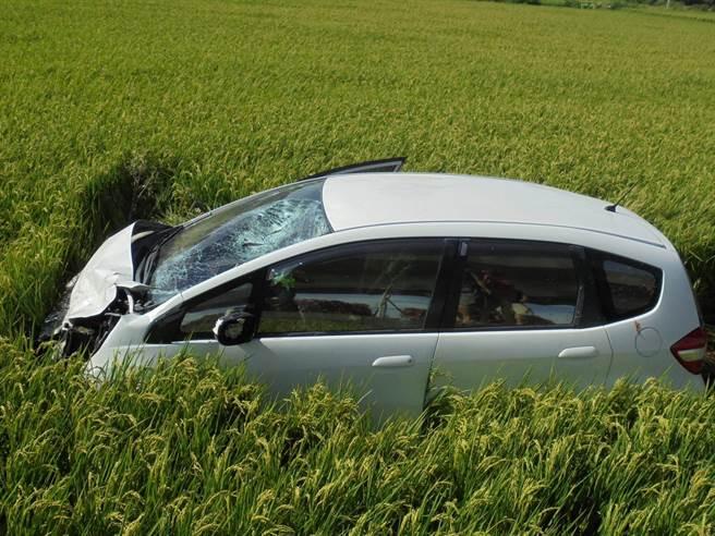 35周孕婦開車與機車對撞,騎士1死1重傷。(警方提供/呂筱蟬桃園傳真)