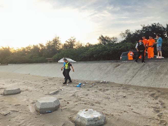 桃園一名7月大女嬰遭套袋埋屍新屋沙灘,狠心的父母遭收押。(翻攝照片/蔡依珍桃園傳真)