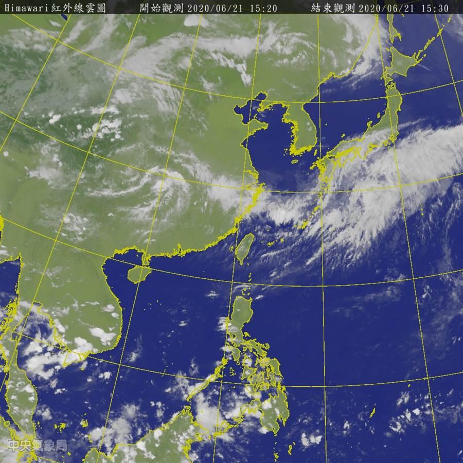 上半年僅2颱風 賈新興揭下半年颱風生成機率。(圖為為星雲圖 氣象局)