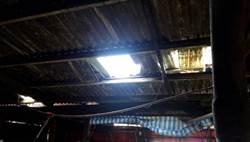 工人修繕牧場屋頂摔落地面  緊急送醫無大礙