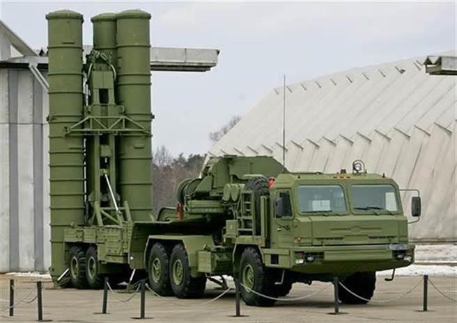 俄羅斯S-400「凱旋」(Triumf)飛彈防空系統的資料照。(俄羅斯國防部)