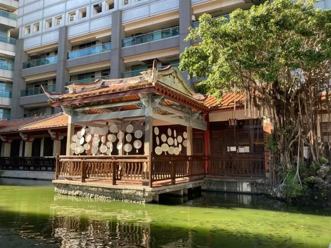 位於台南吳園的台語現代詩牆,即將於今年端午節前夕裝設完成。(台南市政府文化局提供/李宜杰台南傳真)