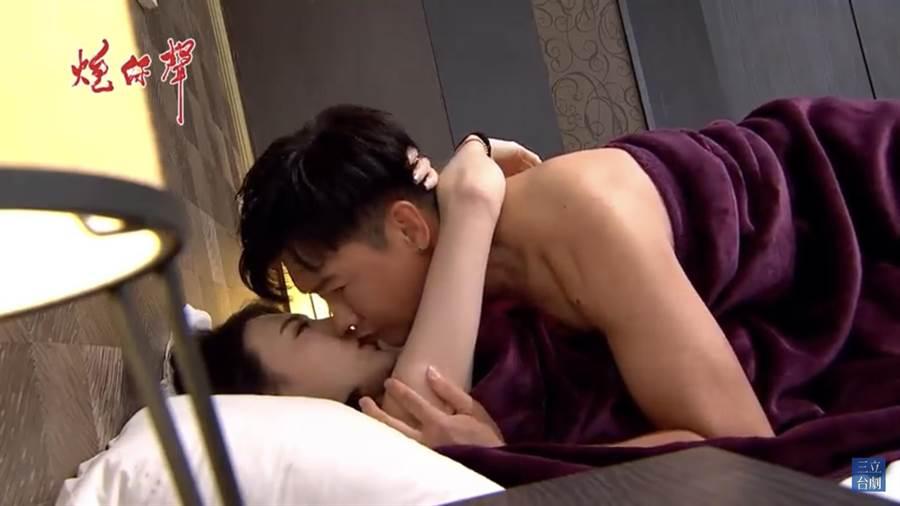 沈世朋與老婆李新拍親熱戲可以來真的,一點也不尷尬。(摘自三立)