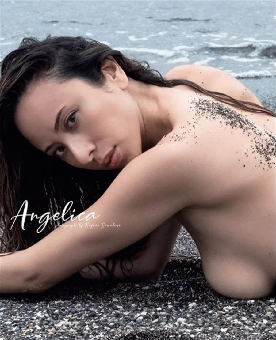 道端Angelica將推全裸寫真。(圖/翻攝自IG)