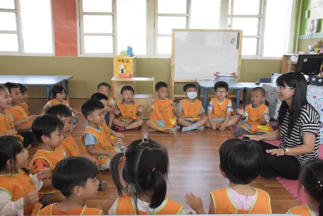 彰化縣目前已有12所非營利幼兒園,今年將再新增5所,將於8、9月正式開學上課,因家長詢問度超高,部分尚未開課就已將近額滿。(彰化縣政府提供/謝瓊雲彰化傳真)