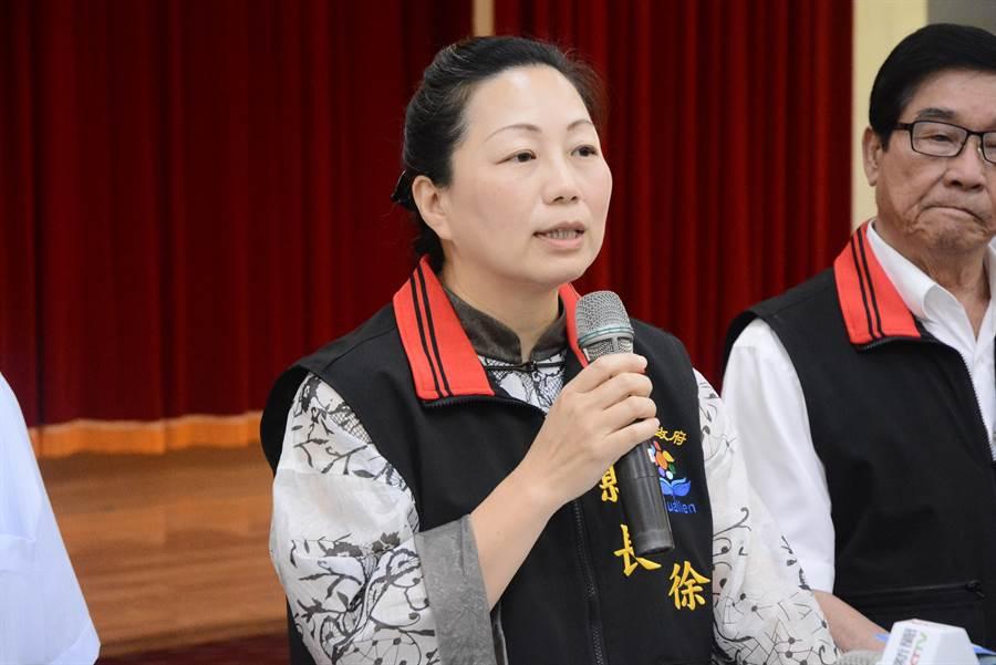 徐榛蔚宣布撤銷卜蜂在花蓮投資計畫證照。(王志偉攝)