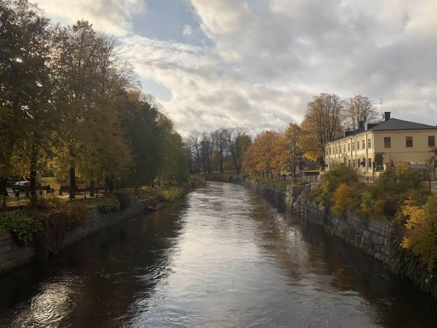 貝亞不願多談對瑞典政府的看法。圖為貝亞所在瑞典語學校校外風景。(作者提供)