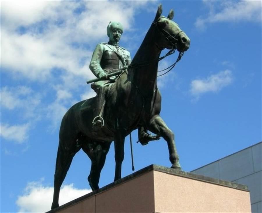 赫爾辛基的曼納海姆元帥像。(圖/Mannerheim facebook)