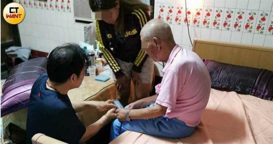 台北市政府發新聞稿表示,將儘速完成長照2.0專業服務撥款。(圖/甯其遠攝)