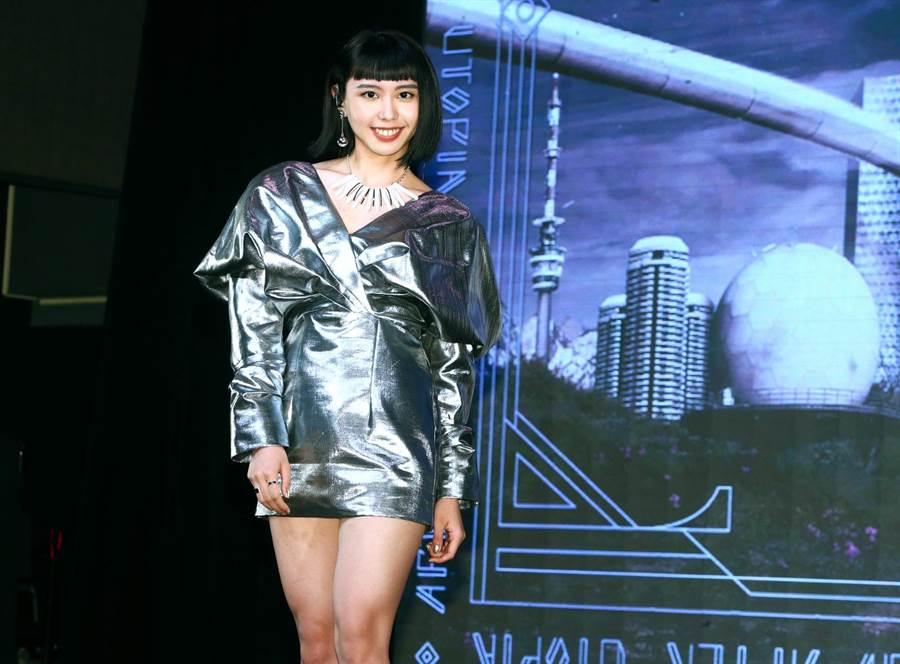 李芷婷今舉辦《美麗舊世界》發片記者會。(粘耿豪攝)
