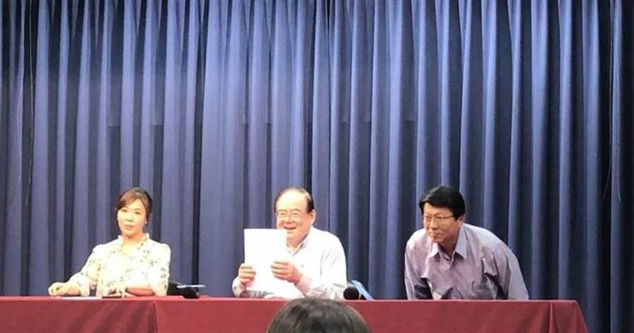國民黨秘書長李乾龍表示,李眉蓁在中間選民、年輕選民的爆發力高,這是主要選擇她參選高市長補選的主要原因。(圖/中時資料庫)
