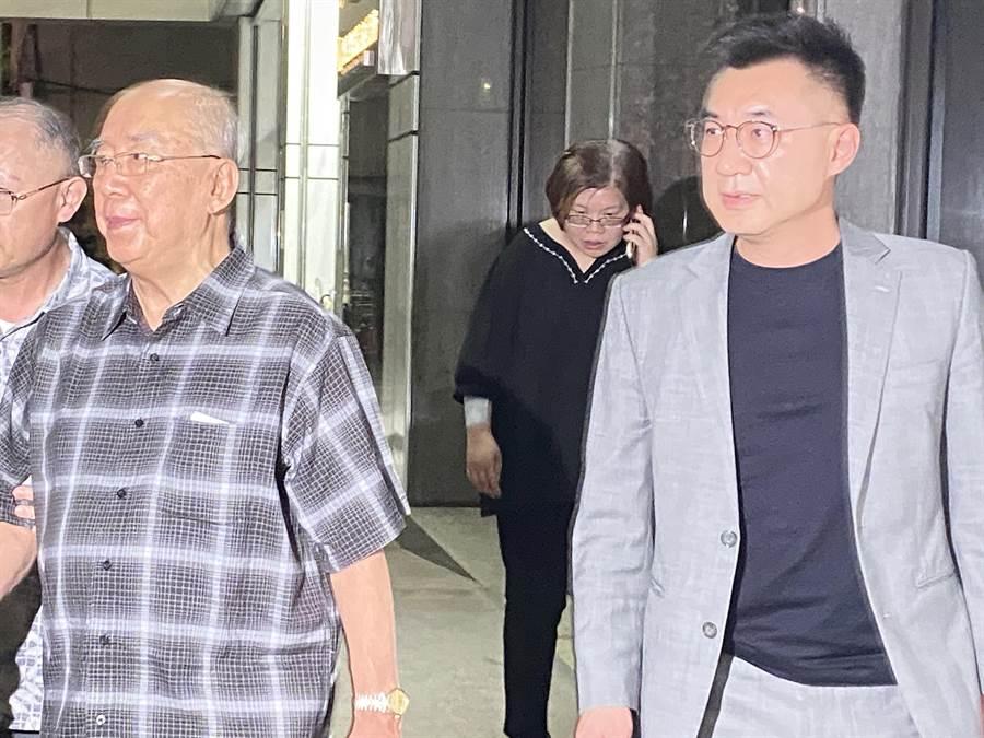 「韓家軍」李眉蓁投入高雄市長補選 江啟臣(右):都代表藍營(戴上容攝)