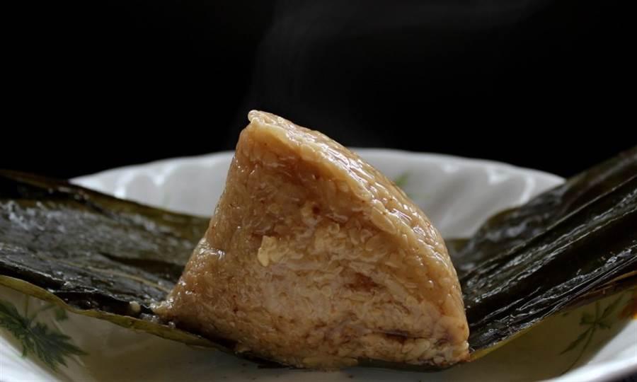 如果家中有牙口咀嚼差的老人家,家人可以考慮透過以下4個技巧,打造連老人家也能好好吃的粽子。(圖/pixabay)