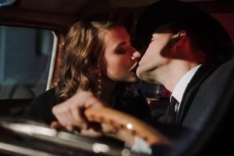老公身價6000萬 董娘偷吃「BMW社團」醫師車友 「人類親吻」全都錄