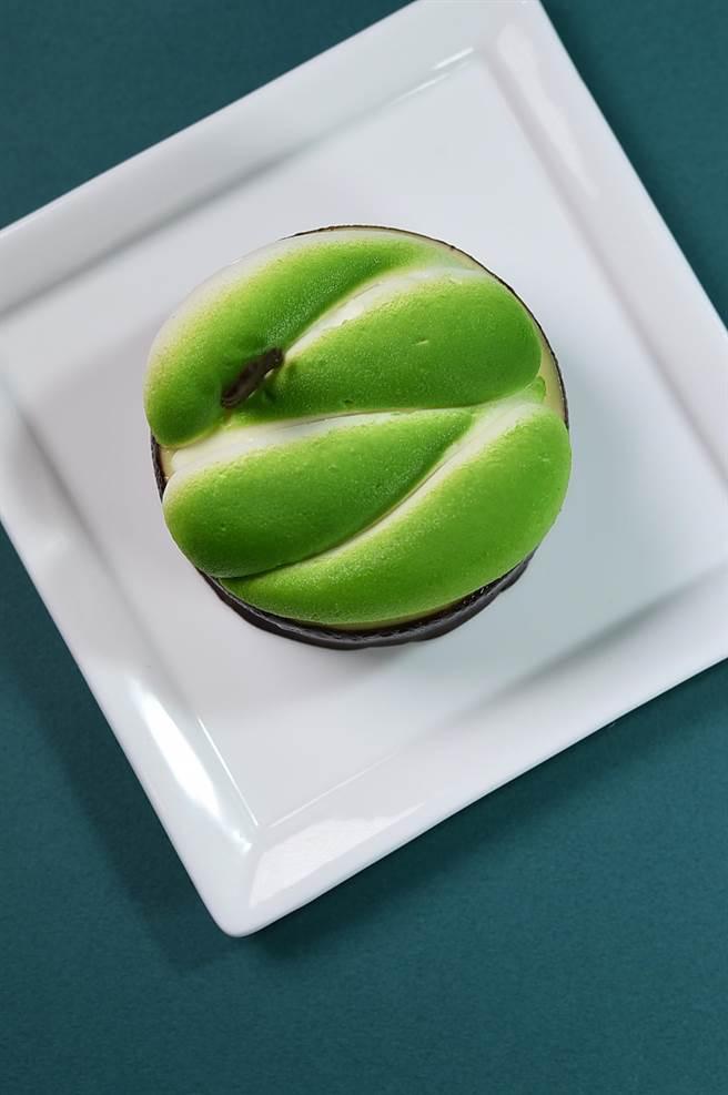 從不同角度看名為〈視角〉的甜點,有不同的逸趣與感覺。(圖/姚舜)