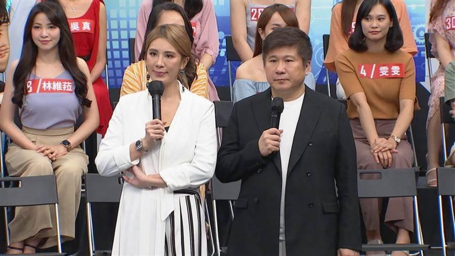 胡瓜(右)、小禎父女互動逗趣。(中天綜合台提供)
