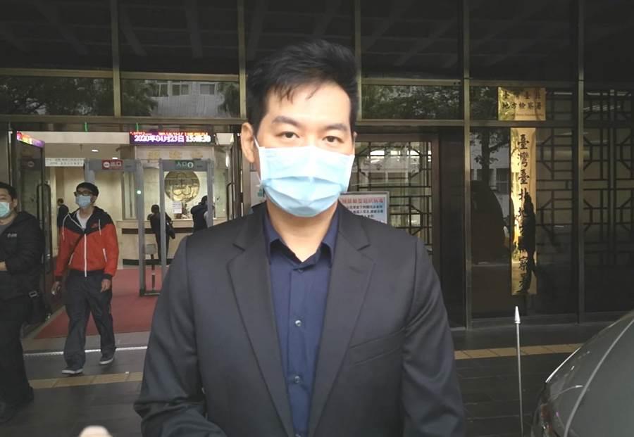 「衣架大王」陳友亮涉強制猥褻女網友,遭台北地院判刑1年。(資料照/黃捷攝)