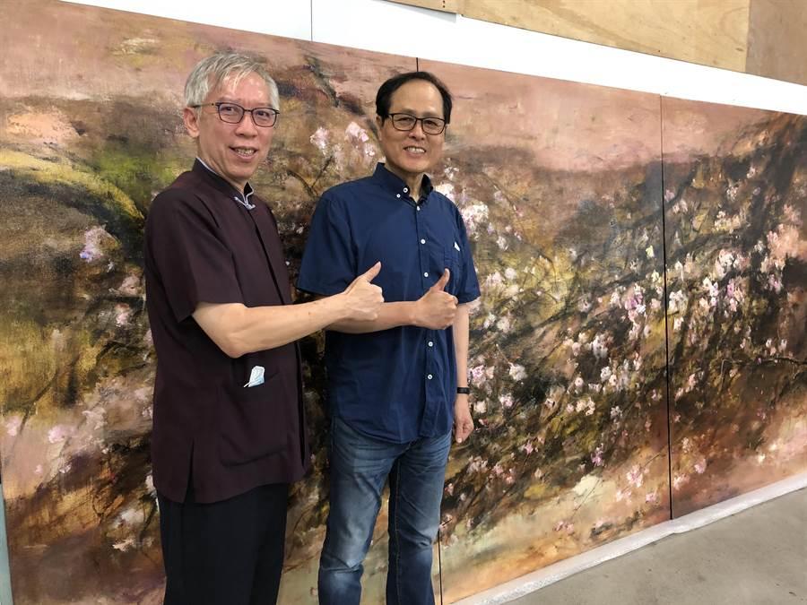 國父紀念館館長梁永斐(左)端午節前赴蘇憲法畫室參訪。(李怡芸攝)