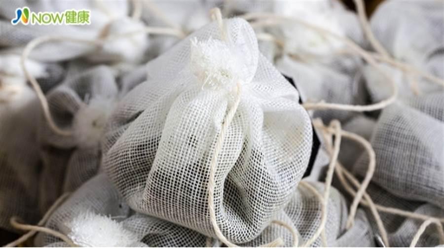 人工香精含塑化劑 取代傳統中藥材入香包金母湯 圖/ingimage