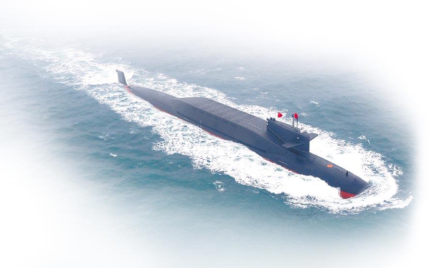 2019年4月23日,大陸核潛艇在青島海上閱艦活動亮相。(新華社)