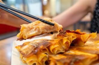 鍋貼怎麼吃最銷魂?內行人曝神吃法:不要只沾醬油膏