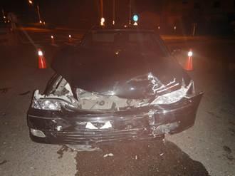 過路口不管號誌急衝 芬園兩車撞爛5人送醫