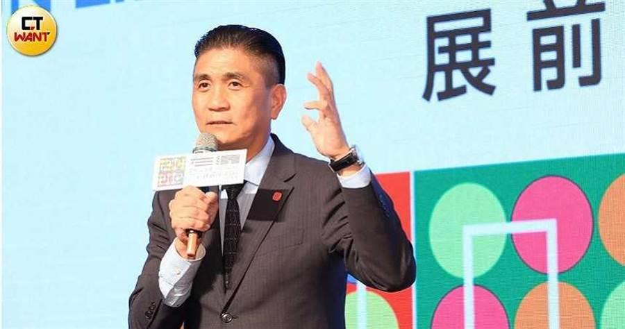 連鎖加暨創業大展的展前記者會上,理事長李日東分享本次展覽亮點。(圖/馬景平攝)