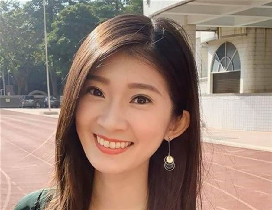 挺韓正妹、前高雄市府青年顧問 李明璇。(圖/翻攝自 李明璇臉書)