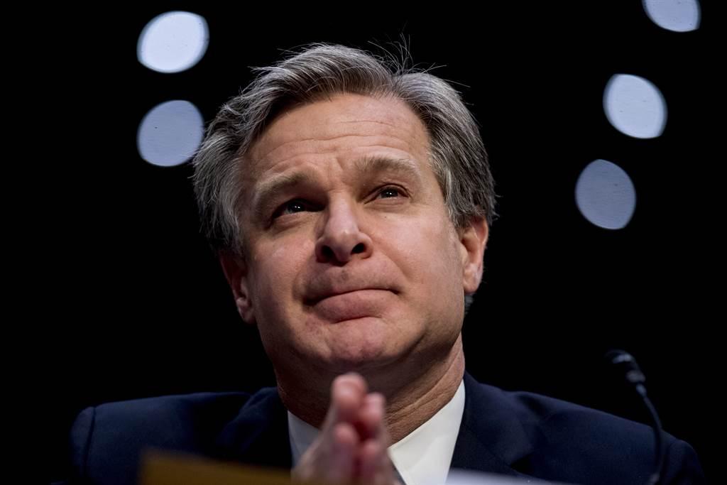 美FBI局長克里斯多夫.雷表示,大陸是安全、經濟、創新與民主的最大威脅,目前有2000多起與大陸官方有聯繫的案件正在進行調查。(圖/美聯社)