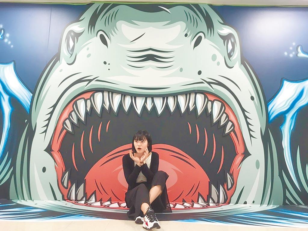 新光三越台北站前店「圖龍老師3D奇幻旅程體驗展」,每區作品都有趣味效果,可自由發揮創意。(新光三越提供)