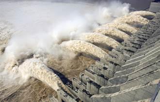 台名嘴熱議三峽大壩潰堤 陸網酸:榨菜吃多了想喝三峽水?