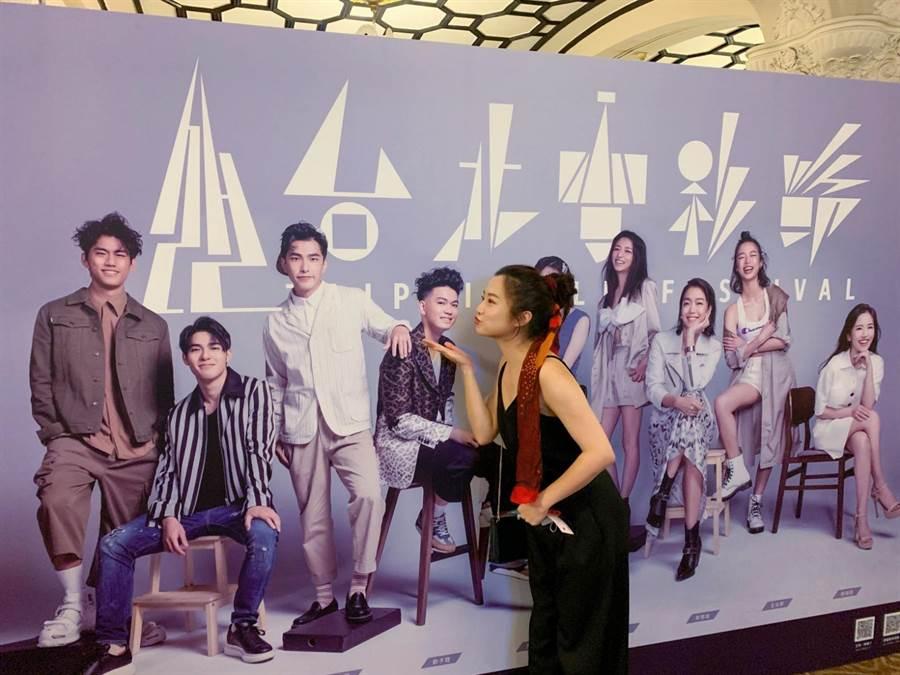 趙小僑大力為繼子劉子銓演出電影《無聲》宣傳。(修毅提供)