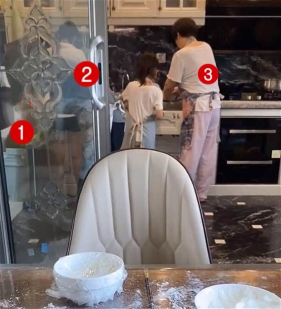 李小璐家被发现请了3位佣人。(图/取自《on.cc东网》)