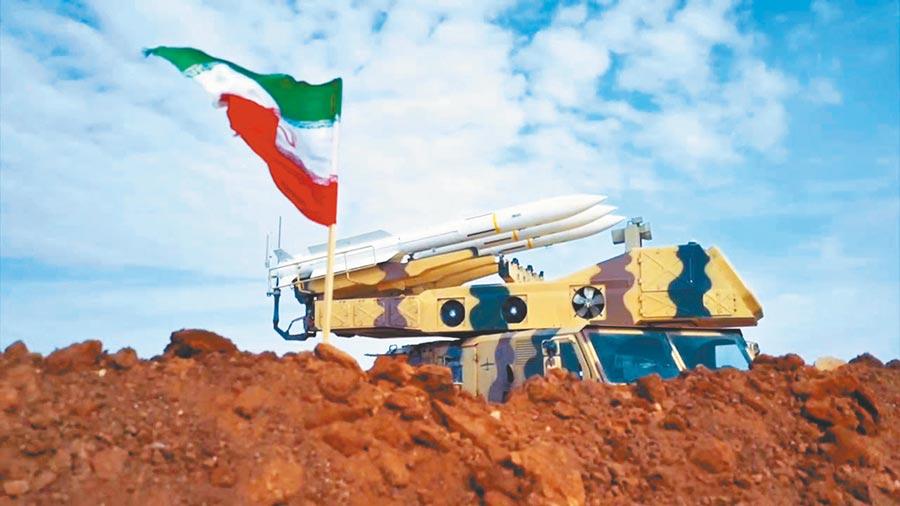 伊朗革命衛隊的Sevom Khordad防空系統。(取自新浪微博@東方軍事觀察EL)